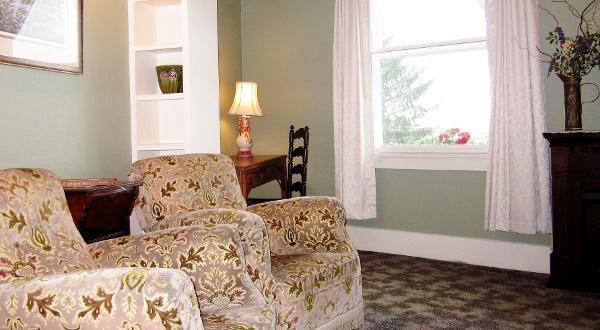 Room 2 Detail